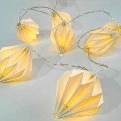 10 LED Μπαταρίας θερμά, λευκά, με χάρτινους κόνους