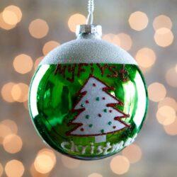 Μπάλα γυάλινη, πράσινη με δέντρο, 8cm