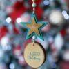 Ξύλινο στολίδι αστεράκι Merry Christmas ύψους 16cm