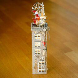 Ξύλινο σπιτάκι - πύργος με φως, ύψους 41cm