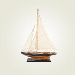 Ξύλινο ιστιοφόρο με τρία πανιά, ύψους 80cm