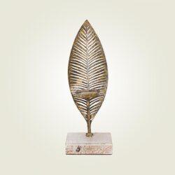 Κηροπήγιο μεταλλικό φύλλο σε ξύλινη βάση, ύψους 38cm